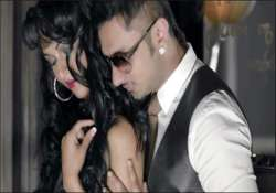 honey singh s online channel gets over 1 lakh hits