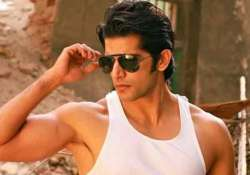 what karanvir bohra bids goodbye to two shows within 24