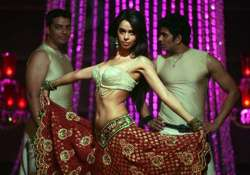 mallika to do sexy thumkas as bar dancer sachiin plays the