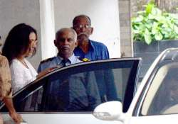only rani mukerji attended madhuri s father s funeral