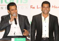 salman emphasises on charity at the little hearts campaign