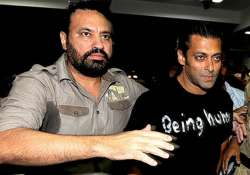 salman refuses rs 7 cr offer dons shera s security uniform
