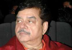 shatrughan sinha stable still in hospital