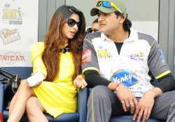 bigg boss 7 couple tanishaa armaan spotted together at ccl