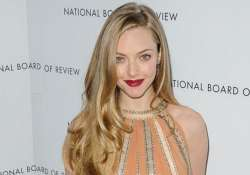 seyfried changed lifestyle for les miserables