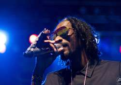 sherwani clad snoop dogg woos india at gurgaon concert
