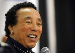 smokey robinson visits duke ellington students