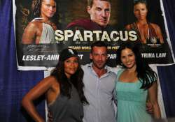 spartacus cast fell ill due to excess training