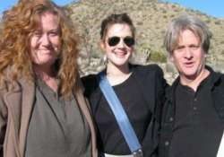 drew barrymore s half sister didn t commit suicide