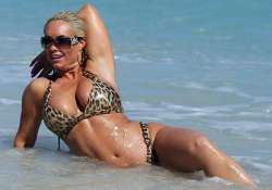 reality tv star coco unleashes her curves on miami beach