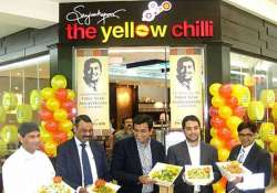 sanjeev kapoor to open yellow chilli outlets in uae