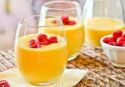quick summer recipe mango smoothie in easy steps