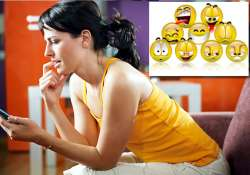 women use emoticons in text messages to express themselves