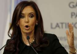 argentine president kirchner undergoes thyroid cancer