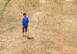 china drought leaves 380 000 short of drinking water