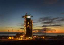 nasa launches earth observing satellite