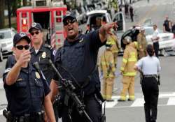 one dead four wounded in us shootings