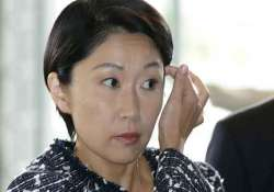 japan s trade minister denies plans to quit
