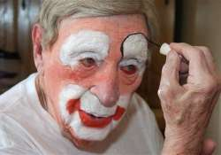 world s oldest clown dies at 98 in montana