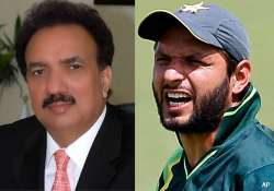 keep away from strangers pak home minister advises players