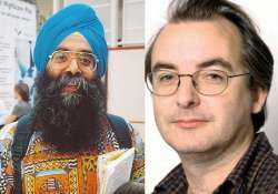 oxford lecturer devinder sivia gets bail in professor s