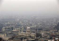 residents wheeze as england hit by second day of smog