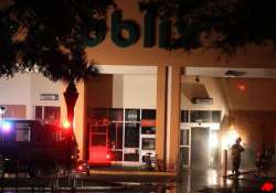 small plane crashes into florida shopping centre