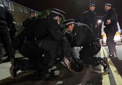 thousands of extra police on london streets to deter rioters
