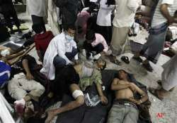 yemen security forces kill 26 protesters medics