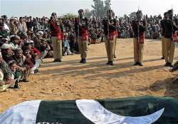 10 militants one soldier killed in pak clash