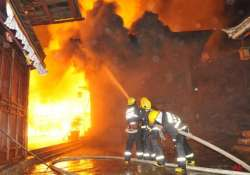 16 killed in china fire