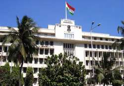 56 maharashtra ias officers not declared assets in 2012