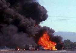 7 burnt alive as tanker catches fire on mumbai ahmedabad