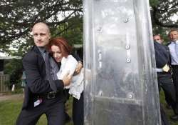 aussie pm gillard stumbles at rajghat says it happens with