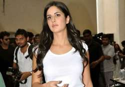 chaos in surat as katrina fails to turn up