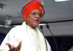 congress leader shankarsinh vaghela moves ec against his sp