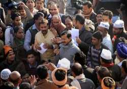 contractual employees demands permanent jobs from kejriwal