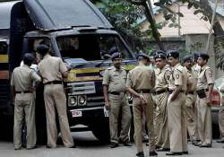 delhi based businessman shoots himself in thane hotel