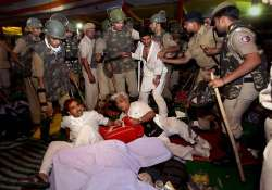 delhi police equipped to deal with hazare s agitation home