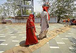 e mail alert to collector helps stop marriage of minor girl