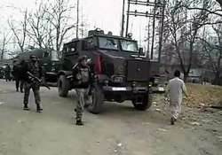 police officer killed in encounter with militants in kashmir