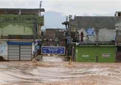 j k flood situation worsens death toll mounts to 107