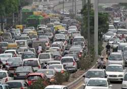 no plan to ban diesel cars in delhi government