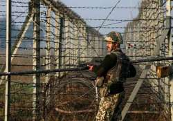 pakistan india military officials talk to ease border