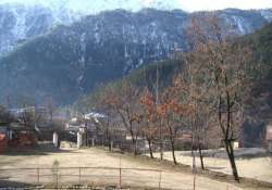 sunny morning in himachal after snowfall