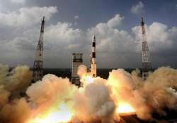 india eyes to beat china in race to reach mars