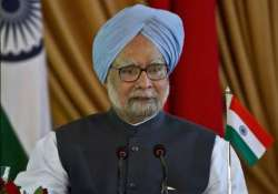 doordarshan runs manmohan singh s visuals on coverage of