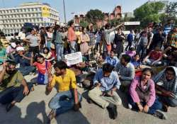 students to continue protest against scrapping of non net