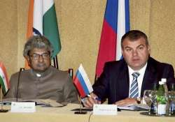 indian russian defence ministers to hold crucial talks