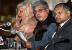 kashmir interlocutors want a consitutional committee to